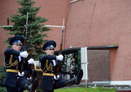 Change of guard of honor at the grave of an unknown soldier in the Alexander Garden.