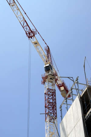 Construction crane in the sea of ??Cadiz 報道画像