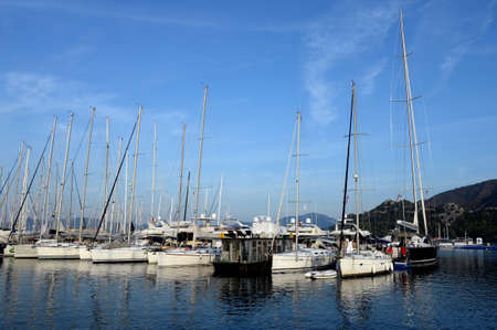 Yachts at the pier of a yacht club in the Turkish city of Marmaris Zdjęcie Seryjne