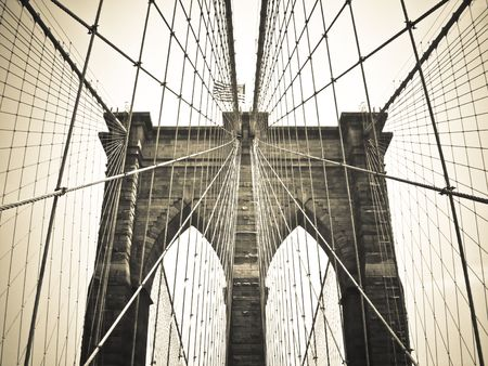 outside shooting: Brooklyn Bridge Bronze