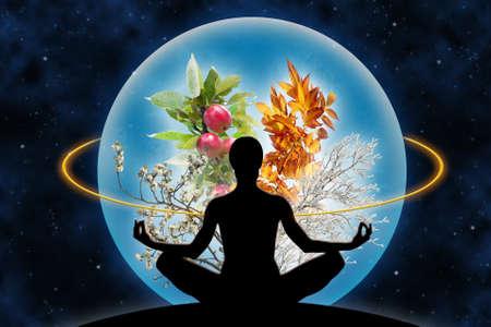Figura femenina de la yoga en un contexto espacial y un planeta (compuesta de cuatro ramas en diferentes estaciones del año), como un concepto de la armonía con el universo, Dios y el poder sobre la naturaleza. Foto de archivo