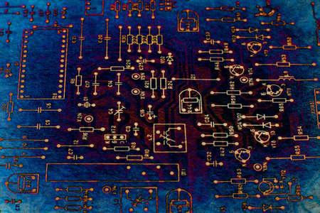 Abstracte tech op basis van elektronische schematische weergave van retro televisie. Makro. Grunge.