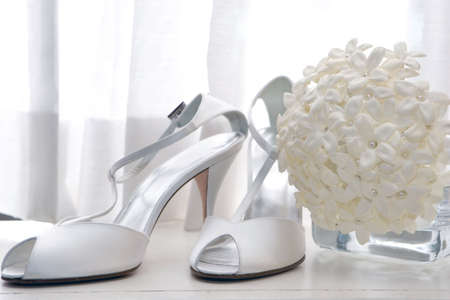 elegante shoes and the wedding bouquet Banco de Imagens
