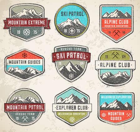 Set van 9 vector hoge kwaliteit Kleurrijke badges en insignes voor berg verwant ontwerp, met een grunge vintage look.