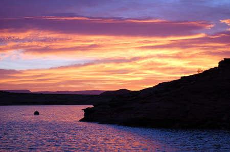 lake powell: Sunrise at Lake Powell