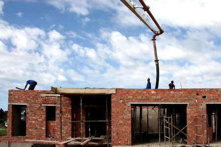 slabs: Pumpimg concrete to cast a roof slab