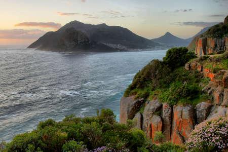Coastal Szene von Hout Bay in Südafrika bei Sonnenuntergang Standard-Bild