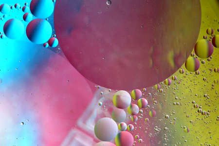 bubles: Abstract pattern of colored oil bubles on water