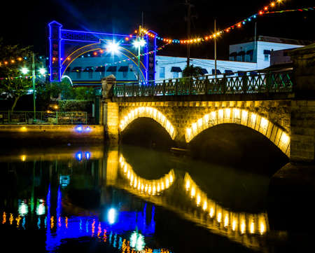 Colorful lights and bridge in Bridgetown, Barbados 版權商用圖片