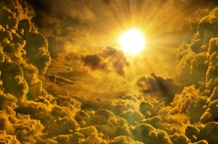 hdr: Coucher de soleil lever du soleil avec les nuages, les rayons lumineux