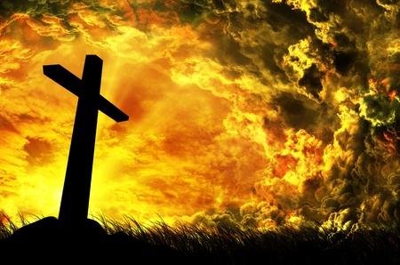 sacrificio: cruzar la silueta con la puesta de sol como fondo