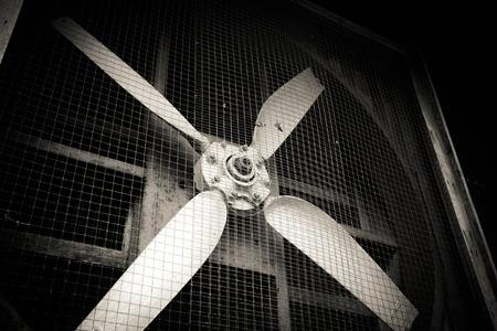 Oud vuile ventilator