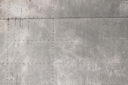 metales: Remachado metal de los aviones