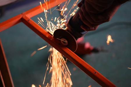 metal working: cutting metal