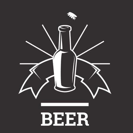 icono insignias de cerveza con el vidrio aislado en el fondo blanco. Botella de cerveza. ale de la vendimia y el emblema de la cerveza dorada de la cervecería.