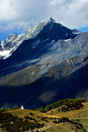 sichuan province: Day view of Siguniang (Four Girls) Mountains at Sichuan Province China Stock Photo