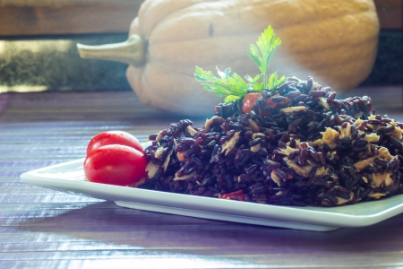 crusted: Black rice with tuna and tomatoes
