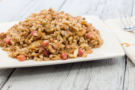 spelt: Spelt with mushrooms and bacon