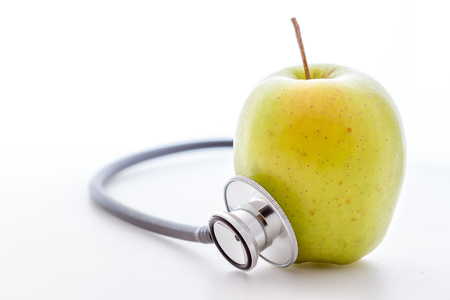 stethescope: Stethoscope and apple