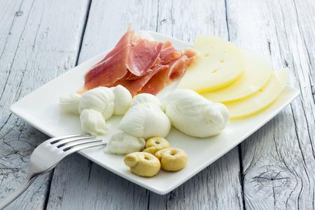 puglia: Mozzarella and cheese from Puglia