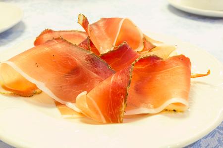 smoked bacon: Slices of italian smoked bacon