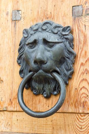 doorknocker: Doorknocker metal