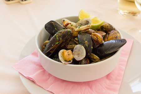 mussels: Mussels and clams