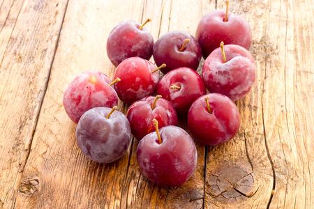 prunes rouges