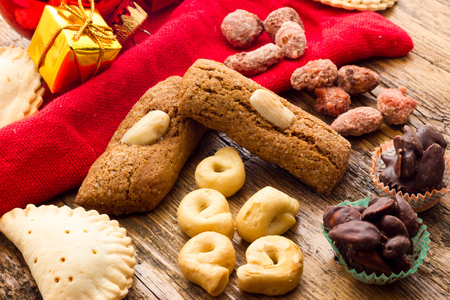 tradition: Christmas Cakes from Italy