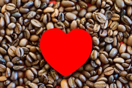 frijoles: Granos de caf� con el coraz�n