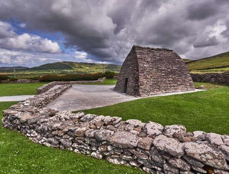 oratoria: El oratorio de Gallarus en la pen�nsula de Dingle, Rep�blica de Irlanda, es una de las principales atracciones tur�sticas Foto de archivo