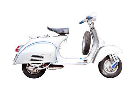 vespa: Vintage moto, scooter italiano cl�sico sobre un fondo blanco