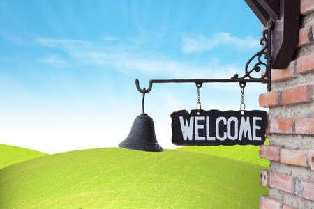 welcome sign: Bienvenue Connexion sur le mur