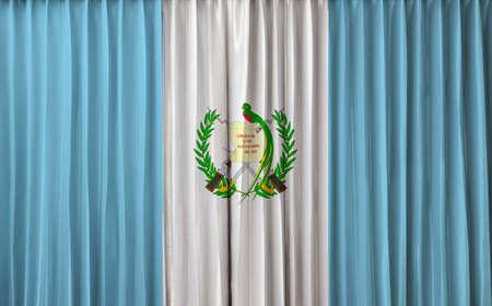 bandera de guatemala: Bandera de Guatemala en la cortina Foto de archivo