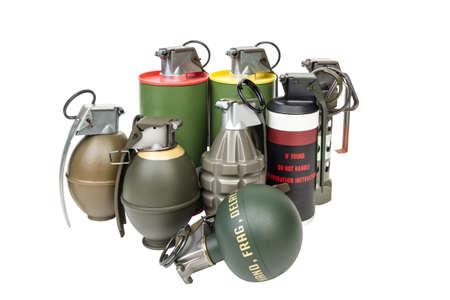 lanzamiento de bala: Todos los explosivos, ejército arma, espoleta cronometrada estándar, granada de mano en el fondo blanco