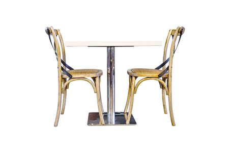 테이블 및 흰색 배경에 두 개의 자