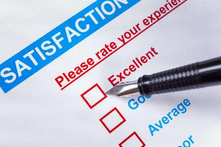 ottimo: La soddisfazione del cliente sondaggio casella con rating e penna che punta a eccellente, può utilizzare qualsiasi business concetto sfondo
