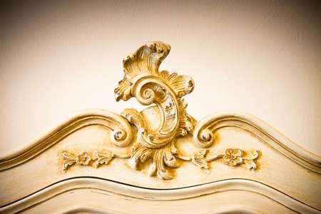 marqueteria: Detalle de un mueble italiano antigua reci�n restaurada; nueva vida a los muebles viejos - Sepia