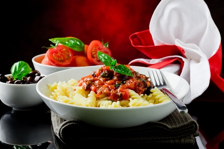 bolognese sauce: delicious italian pasta with tomato sauce and basil