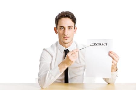 contratos: foto conceptual del hombre con el contrato en el fondo blanco
