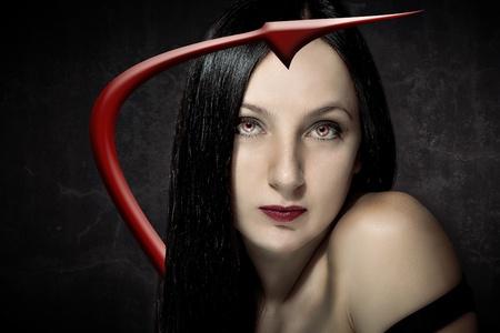 cola mujer: atractiva mujer sexy diablo con cola