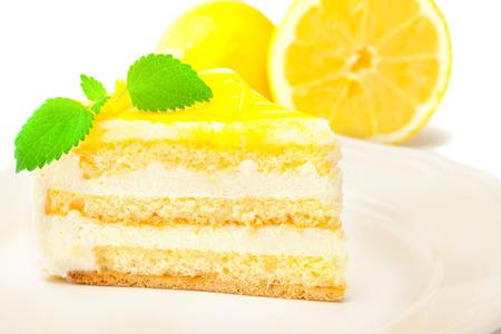 cream on cake: photo of lemon cream cake