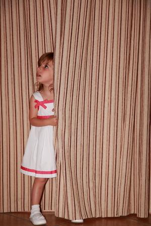 Behind the curtain foto royalty free, immagini, immagini e archivi ...