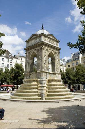 """fontaine: """"La fontaine des innocents"""" in Paris Stock Photo"""