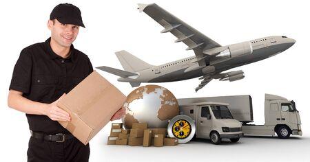 corriere:  Un messaggero in possesso di un pacchetto con una mappa del mondo, pacchetti, un cronometro, un furgone, un camion e un aeroplano come sfondo  Archivio Fotografico