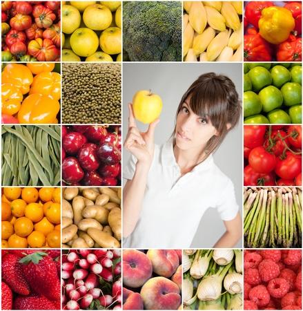 endivia: Mujer joven que sostiene una manzana por imágenes de frutas y verduras Foto de archivo