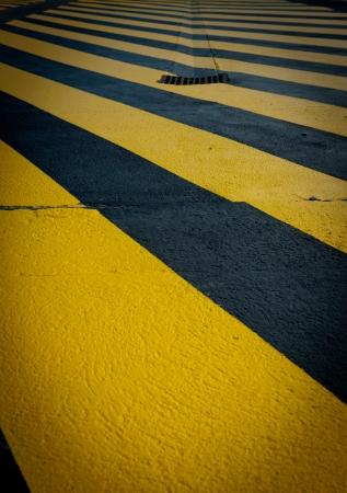 provisional: Peatonal provisional amarillo cruce