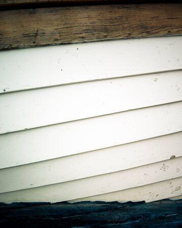 weather beaten: Old meteo legno battuto verniciato in bianco e nero
