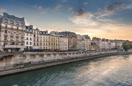 rive: Paris rive taken from the Seine