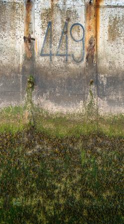 bloque de hormigon: Detalle en un bloque de hormig�n en Gold Beach, Normand�a Foto de archivo